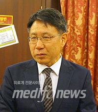 병협 송재찬 수가협상단장